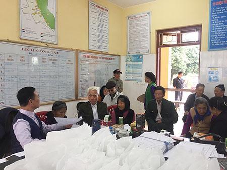 """Navipha tổ chức chương trình:""""Khám bệnh, tư vấn miễn phí"""" cho hơn 200 bà con xã Vân Trung, Việt Yên, Bắc Giang"""